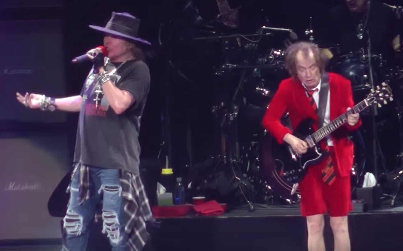 Axl Rose Finally Breaks Silence About AC/DC - AlternativeNation net
