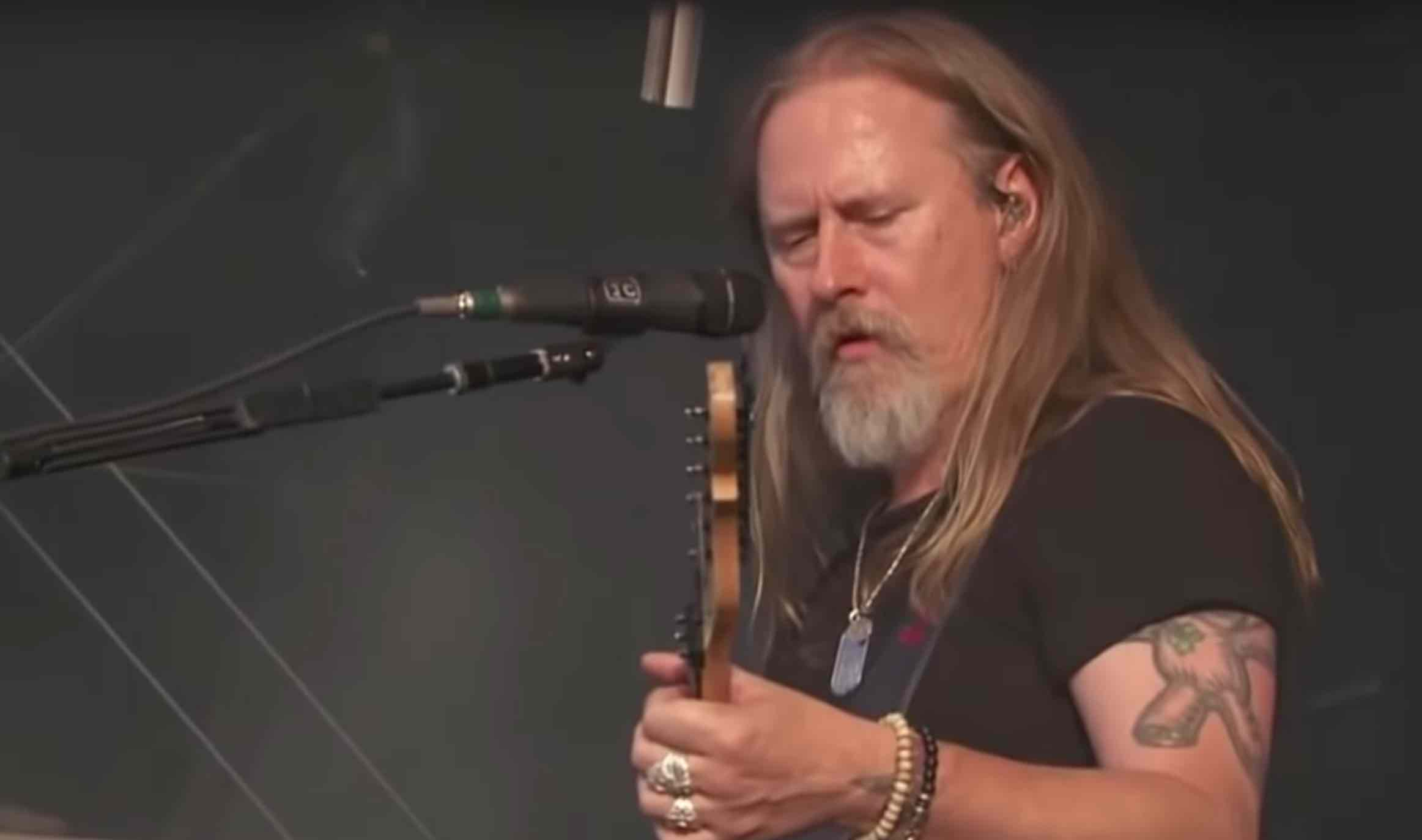 Alice In Chains' Jerry Cantrell Stunning Shirtless Photo Revealed ...