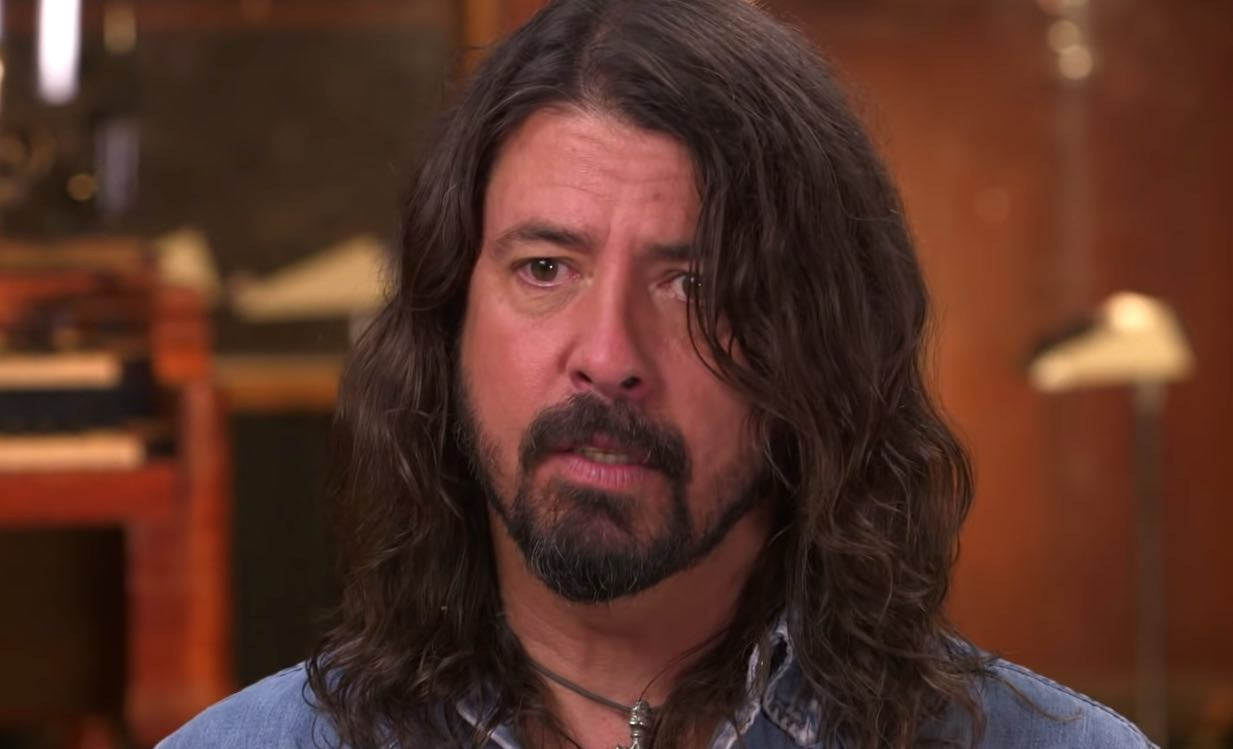 Dave Grohl Reveals Huge Amount Of Alcohol He Drinks Before ...