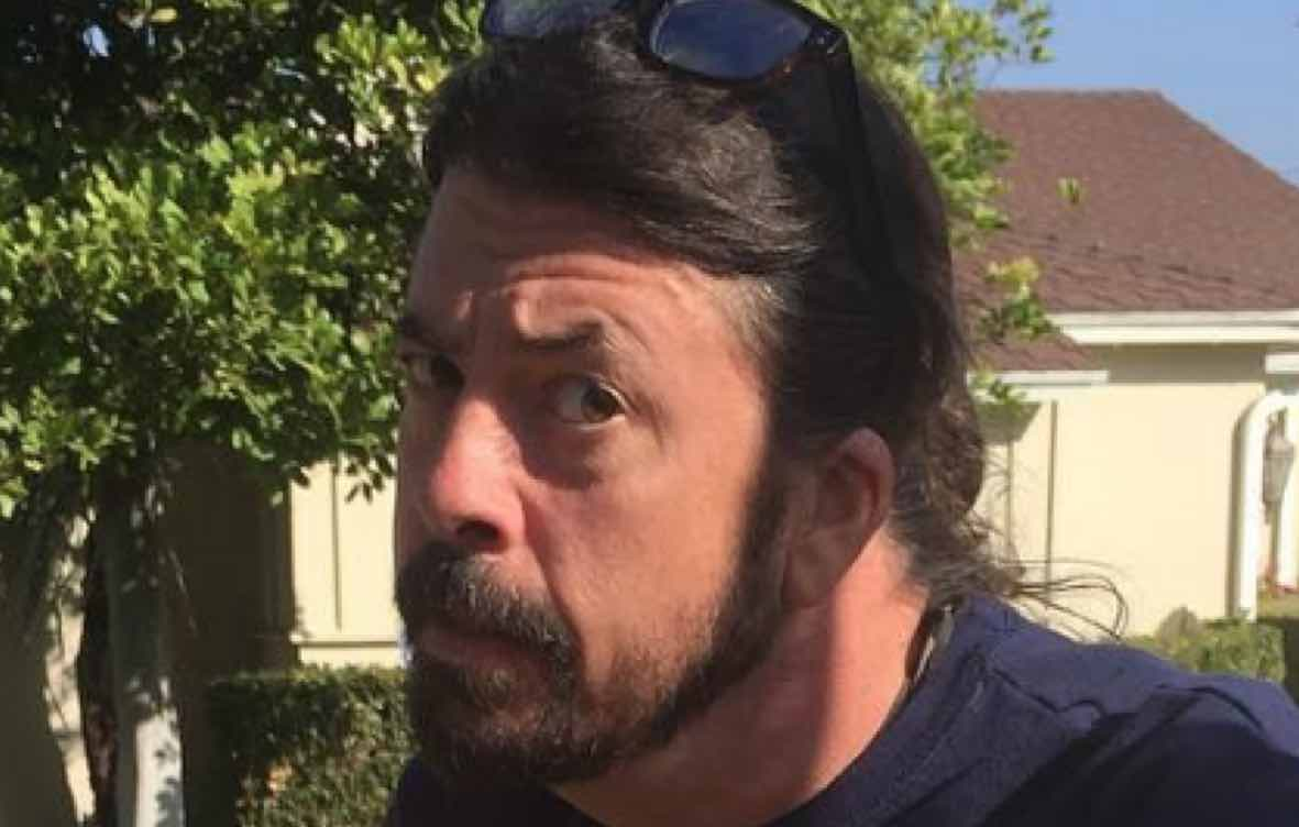Dave Grohl Calls Out Terrible Nirvana Ripoff Alternativenation Net