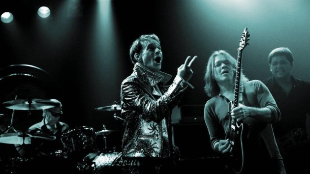 Eddie Van Halen Bizarre New Photo Revealed ...